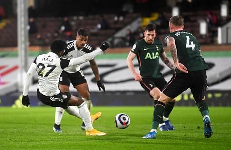 Fulhamin Josh Maja laukoi torstai-iltana maalin, mutta var-tarkistuksen jälkeen se hylättiin, koska pallo osui aiemmin vahingossa toisen Fulhamin pelaajan käteen.