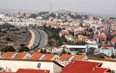 Israelin siirtokunta lähellä Länsirannalla sijaitsevaa Nablusin kaupunkia vuoden 2017 tammikuussa.