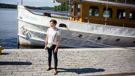 """""""Jos en olisi lentopelkoinen, luulen, että kävisimme perheen kesken jossakin lentämällä kerran vuodessa"""", sanoo Savonlinnassa asuva Erja Eliala."""