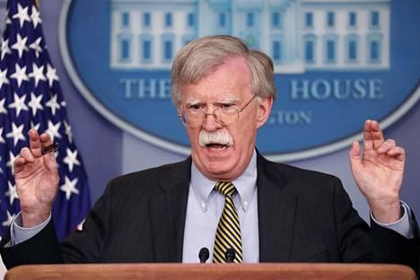 Yhdysvaltain presidentin Donald Trumpin kansallisen turvallisuuden neuvonantaja John Bolton antoi kehuja Brasilian ja Kolumbian johtajille.