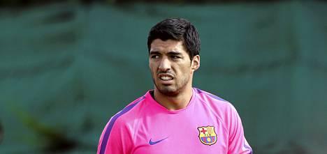 75 miljoonalla punnalla Barcelonaan siirtynyt Luis Suárez harjoitteli ensimmäistä kertaa joukkueen mukana viime viikon lopulla.