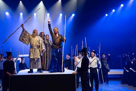 Väinämöinen laulaa nyt saksaksi Turussa, kun Kalevala-ooppera saa kantaesityksensä.