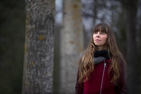 Lapin yliopiston tutkijan Laura Tarvaisen mielestä turvapaikanhakuprosessin lähtökohtana tulisi olla haavoittuva turvapaikanhakija, ei rationaalinen ja johdonmukainen yksilö.