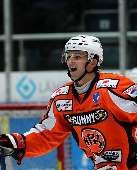 Otto Paajanen teki HPK:n toisen maalin.