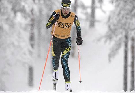 Kerttu Niskanen naisten 15 km:n matkalla SM-hiihdoissa Jämijärvellä sunnuntaina.