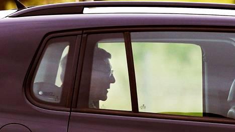 Australialainen kardinaali George Pell poistuu vankilasta huhtikuussa 2020.