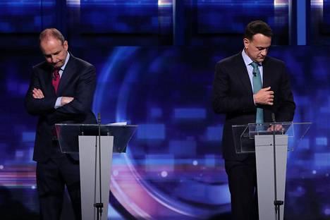 Erot Irlannin kahden ison keskustaoikeistolaisen puolueen välillä ovat pieniä. Kuvassa Fianna Fáil -puolueen johtaja Micheál Martin (vas.) ja Fine Gael -puolueen johtaja pääministeri Leo Varadkar Irlannin yleisradioyhtiön vaaliväittelussä helmikuun alussa.