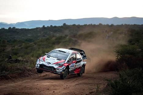 Toyota-tallin Ott Tänak vauhdissa Argentiinan rallissa.