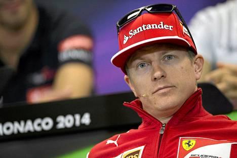 Kimi Räikkönen tiedotustilaisuudessa Monte Carlossa toukokuussa.