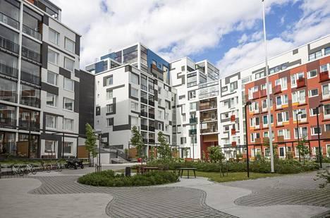 Sukupolvienkorttelissa Jätkäsaaressa on ara-vuokrakoteja, opiskelijavuokrakoteja ja hitas-asuntoja. Asukkailla on yhteisiä tiloja ja yhteinen piha-alue.