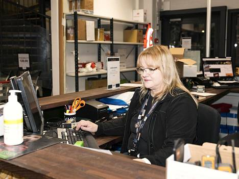 Sirpa Pääkkönen on työskennellyt osoitteessa Tiilipojanlenkki 7 jo 34 vuotta.