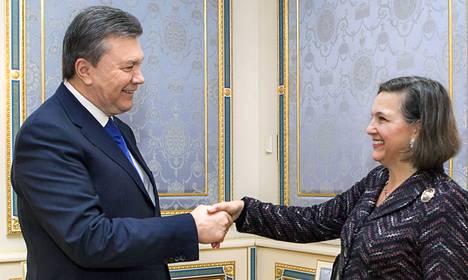 Yhdysvaltain apulaisulkoministeri Victoria Nuland tapasi Ukrainan presidentin Viktor Janukovytšin torstaina Kiovassa.