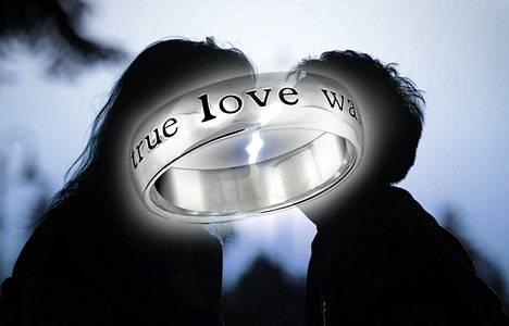 Neitsytlupauksen tehneiden tunnuksena on etenkin Yhdysvalloissa käytetty Tosi rakkaus odottaa -sormusta eli puhtaussormusta.