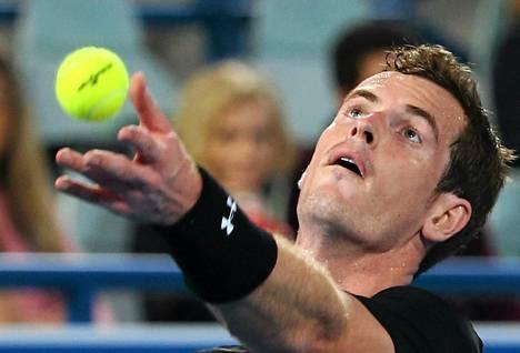 Andy Murrayn peli kulki Abu Dhabissa.