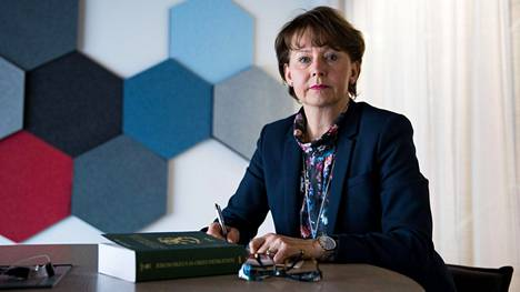 Valtakunnansyyttäjä Raija Toiviainen on pettynyt, ettei eduskunta myöntänyt syyttämislupaa Juha Mäenpään tapauksessa.