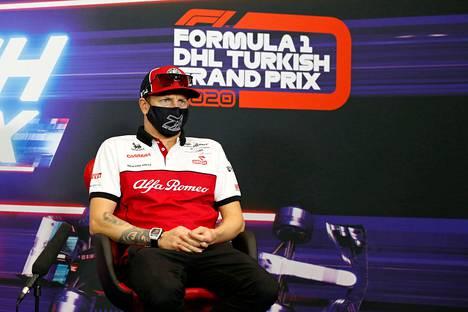 Kimi Räikkönen ajaa perjantaina vasta toisissa harjoituksissa.