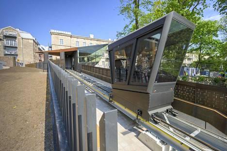 Turun funikulaari maksoi Turun kaupungin mukaan 5,4–5,5 miljoonaa euroa.
