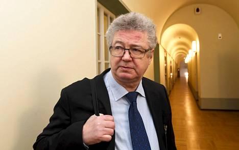 Professori Veli-Pekka Viljanen
