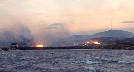 Flatangerissa paloi viime viikolla useina päivinä. Kuva on tiistailta.