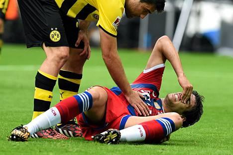 Martinez reväytti polvensa ristisiteet keskiviikkona Saksan supercup-ottelussa, jonka Bayern hävisi Dortmundille.