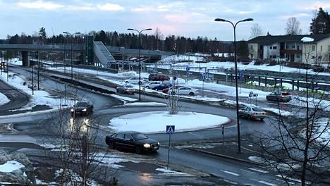 Leineläntien varrella on neljä liikenneympyrää.