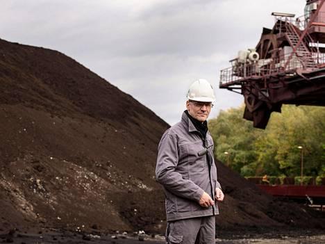 Schkopaun voimalan johtajan Arne Köhlerin on vaikea ymmärtää, miksi Fortumia kiinnostaa Uniper, jonka strategia pohjaa uusiutumattomaan energiaan. Schkopau on Uniperin ainoa ruskohiilivoimala Saksassa. Sinne ruskohiili tulee junilla 40 kilometrin päästä Profen louhokselta. Louhos ei ole Uniperin, eikä se siten vastaa louhosalueen jälkihoidosta
