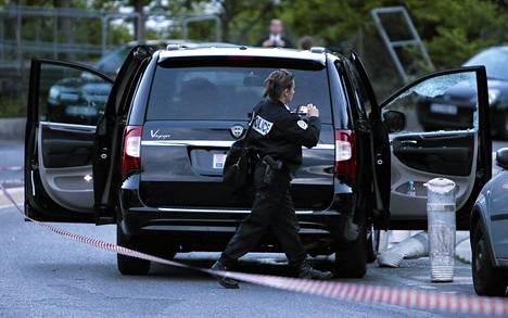 Poliisi tutki 6. toukokuuta paikkaa, jossa 77-vuotias Helene Pastor murhattiin.