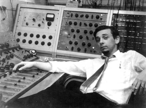 Phil Spector äänitysstudiossa 1970.