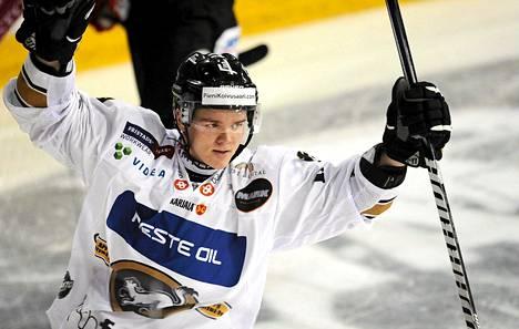 Kärppien Julius Junttila on jääkiekon A-maajoukkueen ensikertalainen.