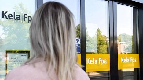 Kelasta voi pian saada puhelinpalvelussa apua puherobotilta eri suomen murteilla.