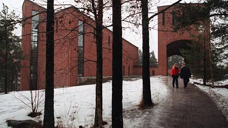 Leppävaaran seurakunnan alueella Espoon alhaisin jäsenosuus.
