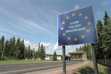 Raja-aseman kyltti Venäjän puolella Vaalimaan raja-aseman kohdalla.