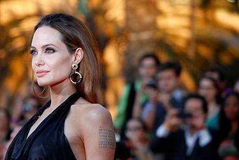 Näyttelijä Angelina Jolie Los Angelesissa tammikuussa 2012.
