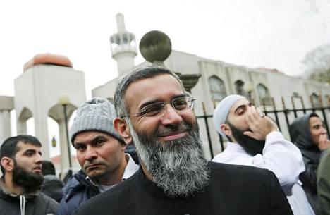 Vuonna 2016 terrorismirikoksista viideksi vuodeksi vankeuteen tuomittu Anjem Choudary pääsee ehdonalaiseen lokakuussa. Isis-järjestölle propagandatyötä tehnyt Choudary on vieraillut saarnamatkalla myös Suomessa.
