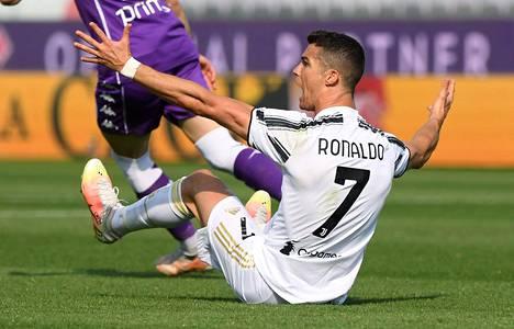 Cristiano Ronaldo on Juventuksen tähtipelaaja.