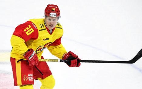 Jokereiden Eeli Tolvanen jääkiekon KHL-ottelussa Jokerit–. Moskovan TsSKA 27. syyskuuta 2020.