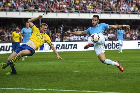 Alvaro Negredo pelasi Manchester Cityn riveissä viime vuonna Helsingissä.