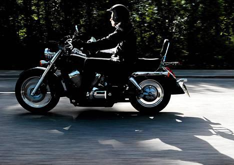 Moottoripyörät pitää katsastaa Suomessa nykyään vain käyttöönoton yhteydessä sekä silloin kun pyörään tehdään teknisiä muutoksia. EU.n parlamentti ehdottaa pyörille myös pakollisia vuosikatsastuksia.