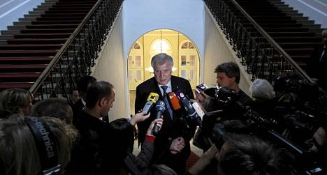Baijerin pääministeriä Horst Seehoferia haastateltiin tiistaina.