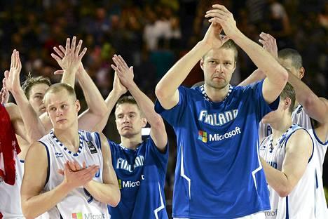 Suomi ei saanut ensi vuoden EM-kisojen alkulohkoa järjestettäväkseen. Suomen MM-kisat päättyivät kirvelevään karsiutumiseen jatkopeleistä.