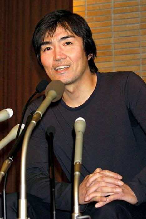 Japanin suosituin dekkaristi Keigo Higashino.
