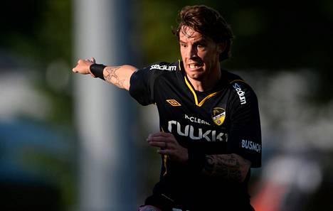 Hongan espanjalaisvahvistus Ruben Palazuelos on pelannut seurassa kelpo kauden. Sunnuntaina hän vei espoolaiset liigan kärkeen.
