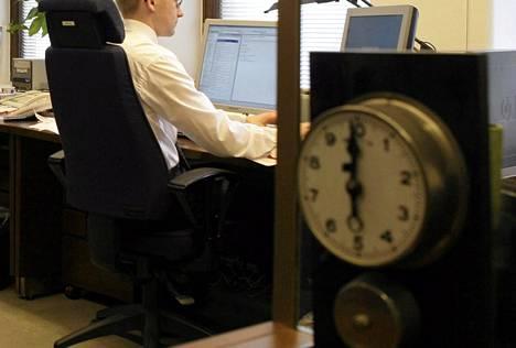 Suomalainen palkansaaja tekee keskimäärin 37 tuntia ylityötä vuodessa.