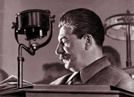 Neuvostotyranni Josif Stalin vuonna 1944.