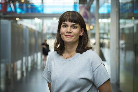 Helsingin kaupunginvaltuuston puheenjohtaja Mari Puoskari.