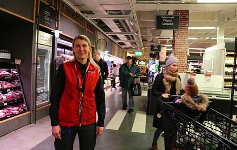 K-Citymarket Järvenpään osastovastaava Pia Leskinen sai tiedon voitosta keskellä yötä tekstiviestillä.