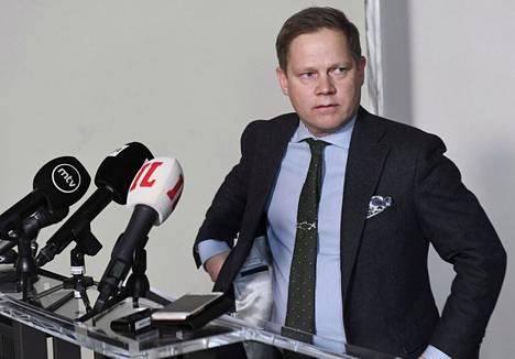 Sosiaali- ja terveysvaliokunnan puheenjohtaja Markus Lohi.