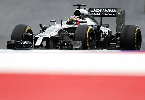 Jenson Buttonin pitää pystyä parempaan.