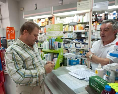Ukrainalainen Nikolai Basistjuk ei ole saanut lääkettä psoriasikseen, koska Espanja ei hoida paperittomia.
