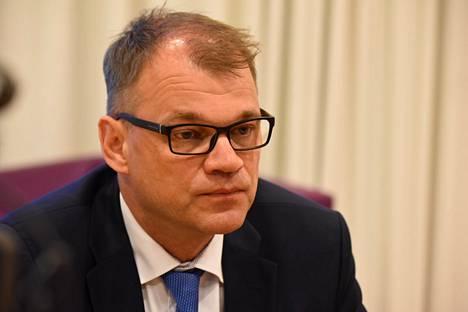 Pääministeri Juha Sipilä ei jätäkään hallituksensa eronpyyntöä nyt, kun perussuomalaisten eduskuntaryhmä on hajonnut.